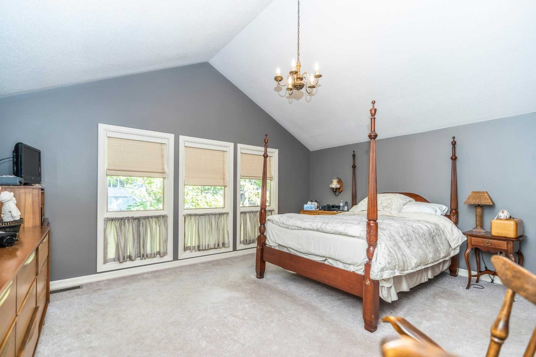Photo 11: Photos: 914 Regent Drive in Oshawa: Eastdale House (2-Storey) for sale : MLS®# E4617219