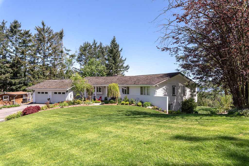 "Main Photo: 4216 ROSS Road in Abbotsford: Bradner House for sale in ""Bradner"" : MLS®# R2453313"