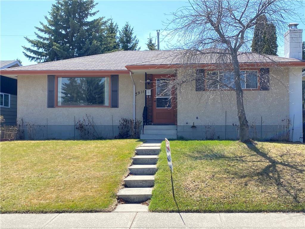 Main Photo: 5911 LOCKINVAR RD SW in Calgary: Lakeview House for sale : MLS®# C4293873