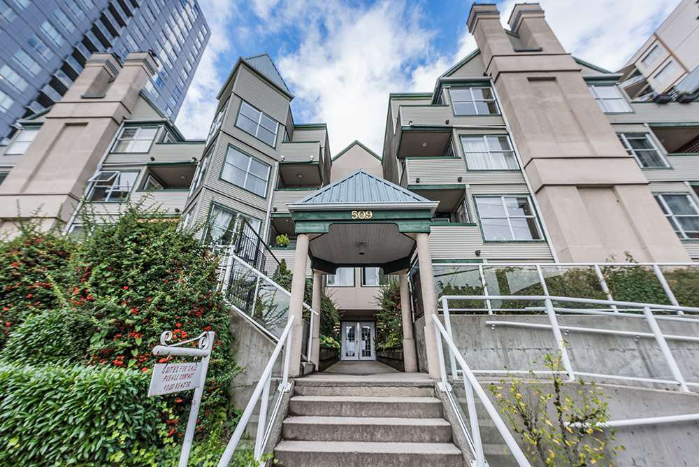 Main Photo: 206 509 CARNARVON Street in New Westminster: Downtown NW Condo for sale : MLS®# R2508591