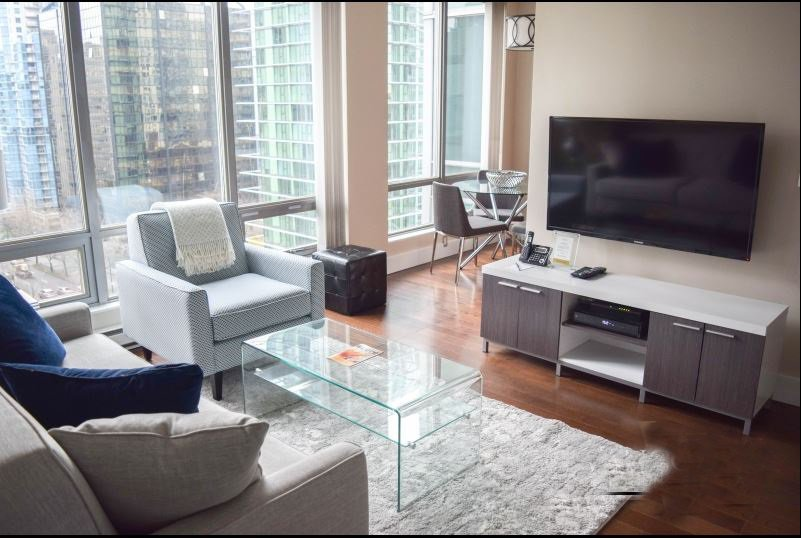 """Main Photo: 1001 1288 W GEORGIA Street in Vancouver: West End VW Condo for sale in """"RESIDENCES ON GEORGIA"""" (Vancouver West)  : MLS®# R2403342"""