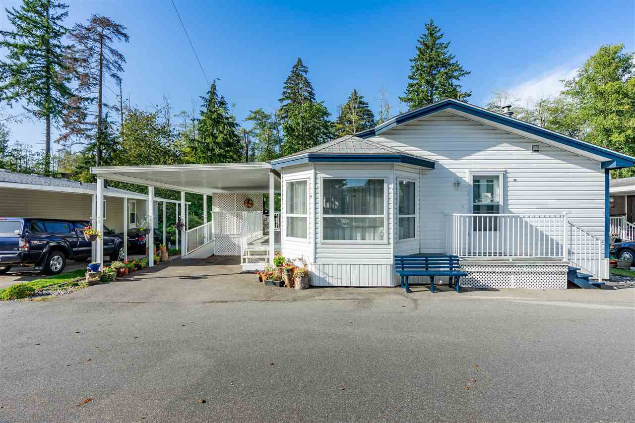 """Main Photo: 54 24330 FRASER Highway in Langley: Otter District Manufactured Home for sale in """"LANGLEY GROVE ESTATES"""" : MLS®# R2463203"""