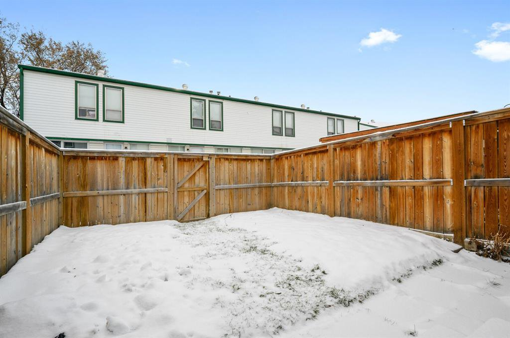 Photo 19: Photos: 37 100 Pennsylvania Road SE in Calgary: Penbrooke Meadows Row/Townhouse for sale : MLS®# A1049358
