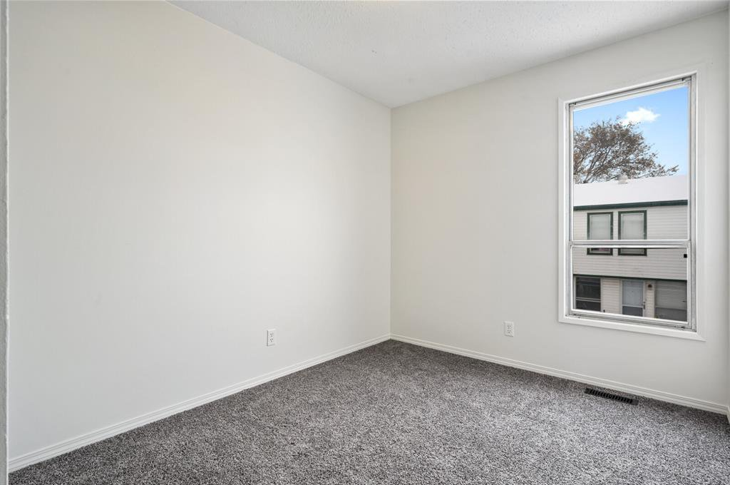 Photo 13: Photos: 37 100 Pennsylvania Road SE in Calgary: Penbrooke Meadows Row/Townhouse for sale : MLS®# A1049358