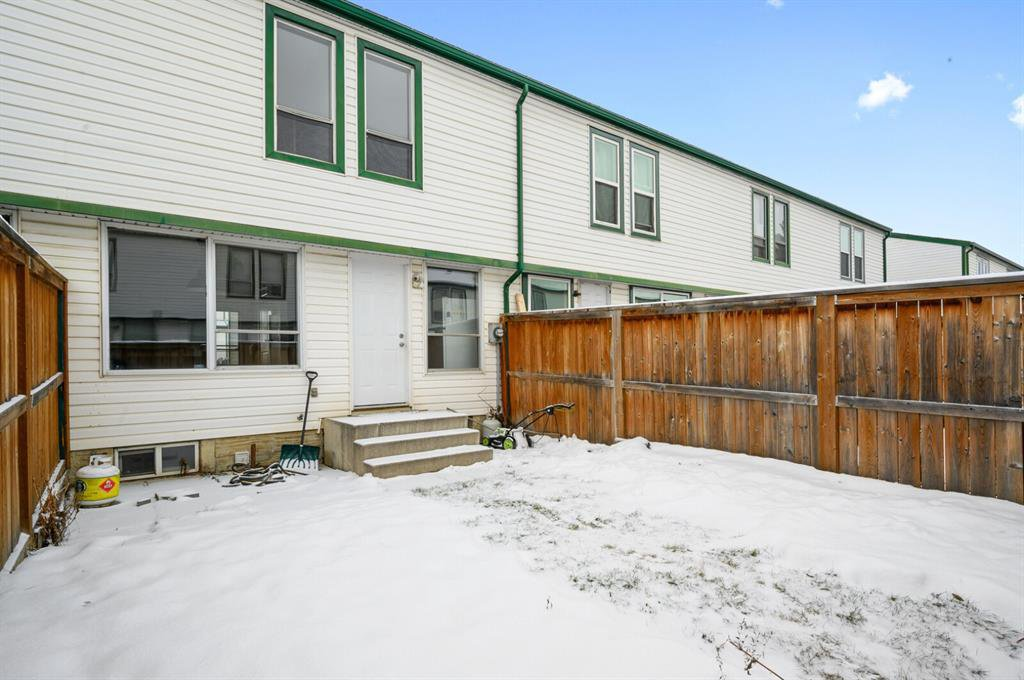 Photo 20: Photos: 37 100 Pennsylvania Road SE in Calgary: Penbrooke Meadows Row/Townhouse for sale : MLS®# A1049358