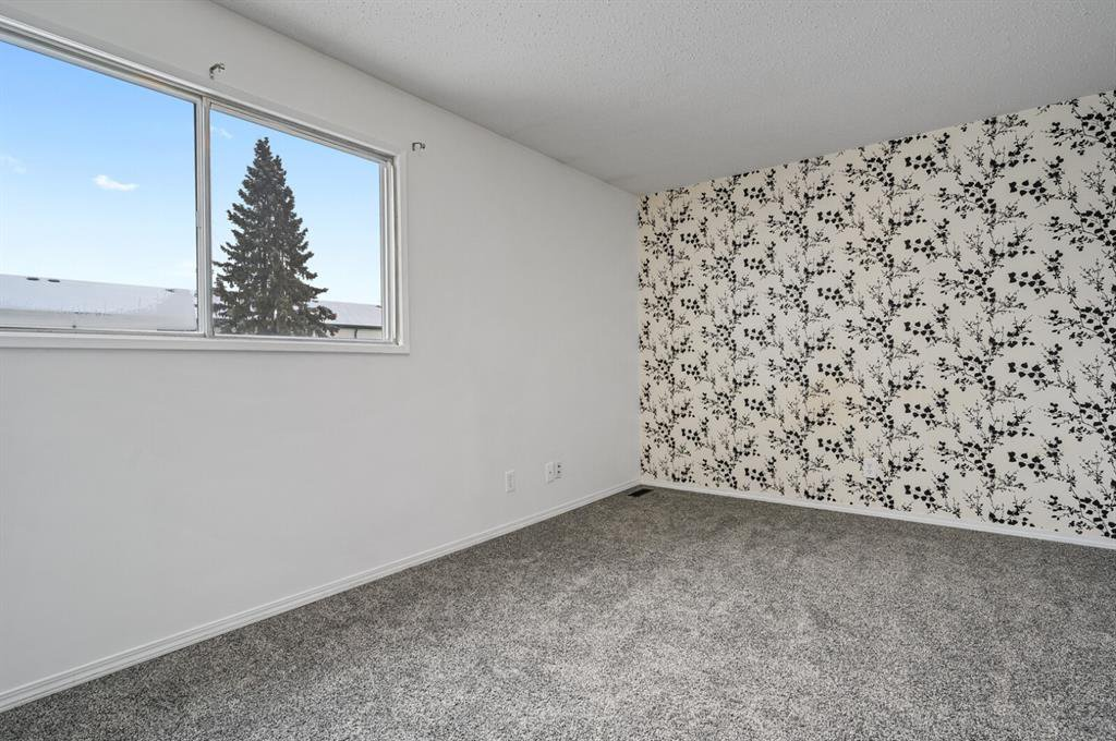 Photo 8: Photos: 37 100 Pennsylvania Road SE in Calgary: Penbrooke Meadows Row/Townhouse for sale : MLS®# A1049358