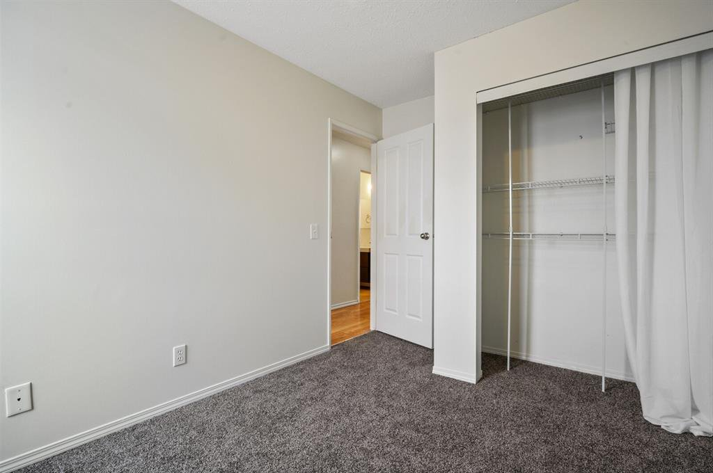 Photo 14: Photos: 37 100 Pennsylvania Road SE in Calgary: Penbrooke Meadows Row/Townhouse for sale : MLS®# A1049358