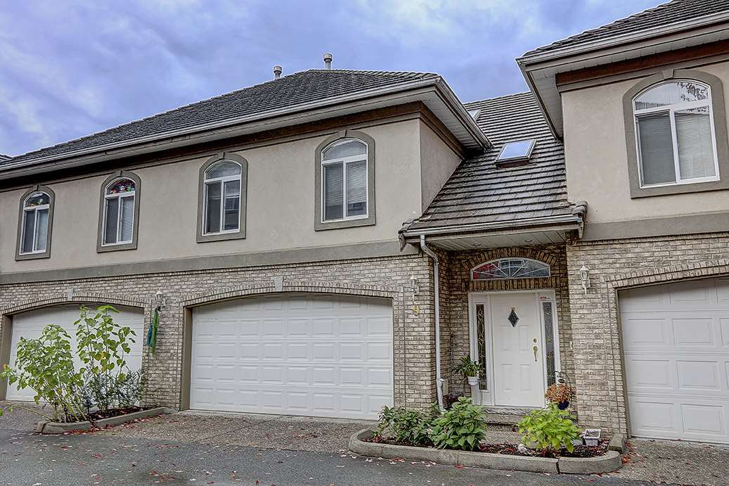 """Main Photo: 9 915 FORT FRASER Rise in Port Coquitlam: Citadel PQ Townhouse for sale in """"Brittany Place"""" : MLS®# R2394250"""