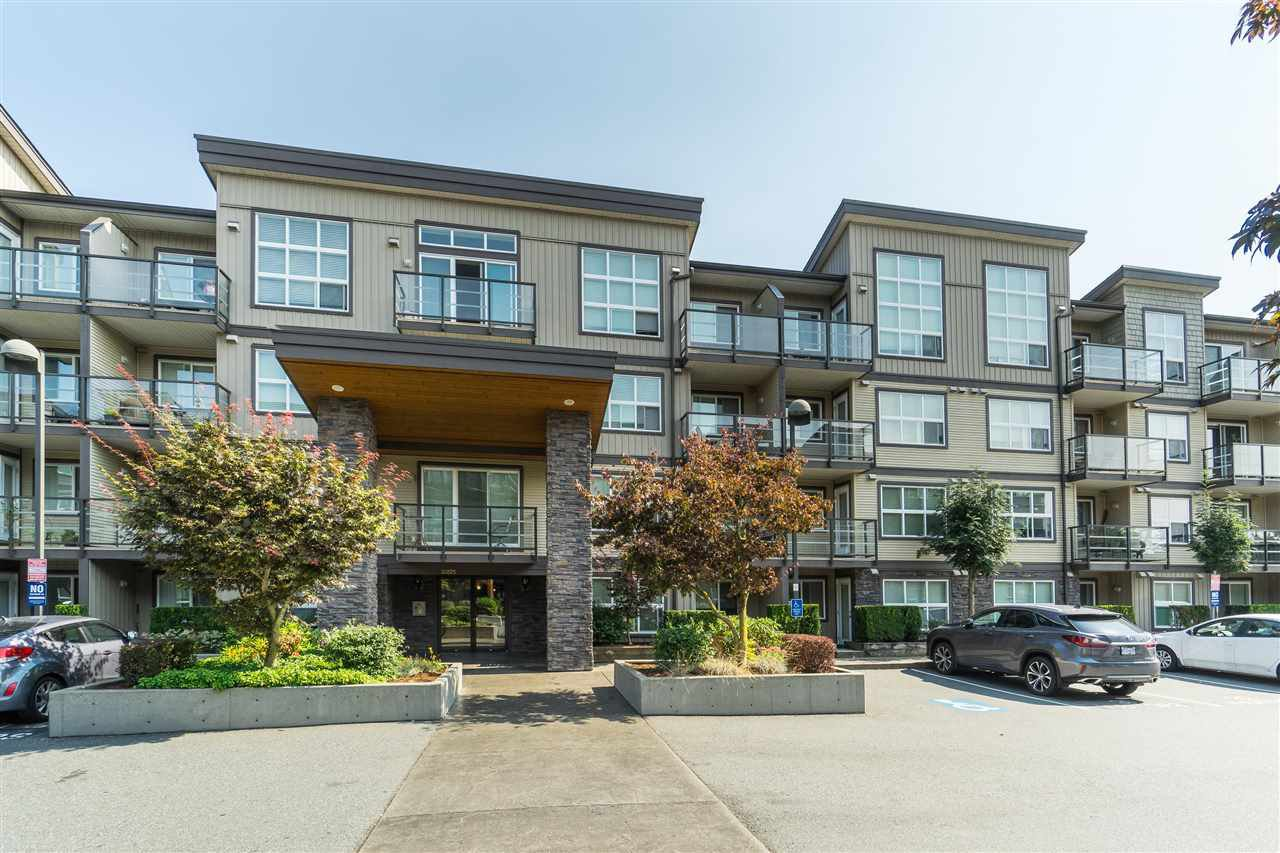 """Main Photo: 205 30525 CARDINAL Avenue in Abbotsford: Abbotsford West Condo for sale in """"Tamarind West"""" : MLS®# R2492594"""