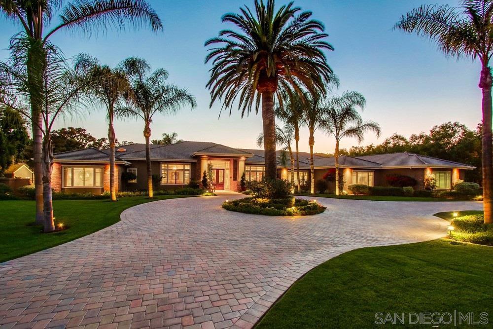 Main Photo: POWAY House for sale : 6 bedrooms : 15664 El Camino Entrada