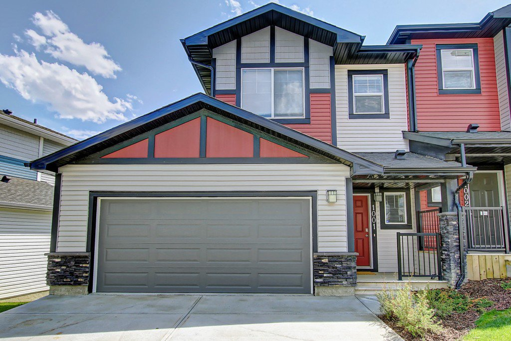 Main Photo: 1001 Jumping Pound Common in Cochrane: House for sale : MLS®# c4248929