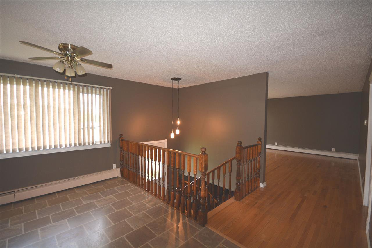 Photo 10: Photos: 12833 OLD HOPE Road in Charlie Lake: Lakeshore House for sale (Fort St. John (Zone 60))  : MLS®# R2416718