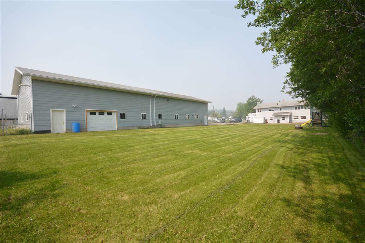 Photo 5: Photos: 12833 OLD HOPE Road in Charlie Lake: Lakeshore House for sale (Fort St. John (Zone 60))  : MLS®# R2416718
