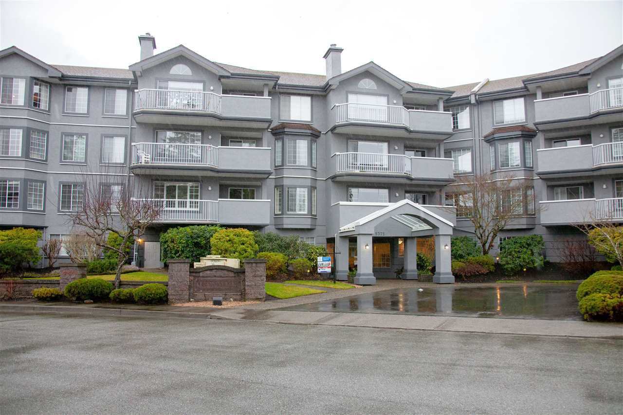 "Main Photo: 301 5375 205 Street in Langley: Langley City Condo for sale in ""GLENMONT PARK"" : MLS®# R2426917"