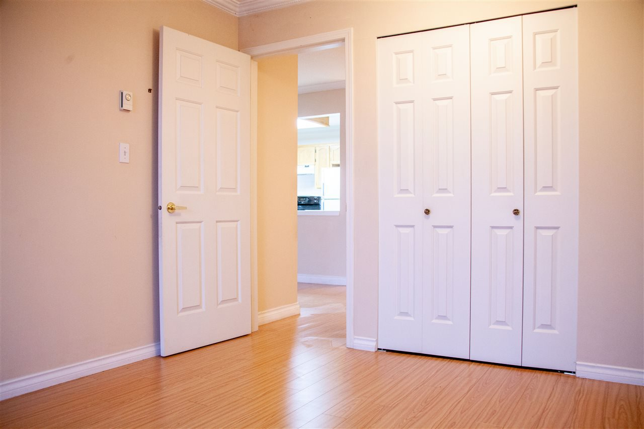 """Photo 13: Photos: 301 5375 205 Street in Langley: Langley City Condo for sale in """"GLENMONT PARK"""" : MLS®# R2426917"""