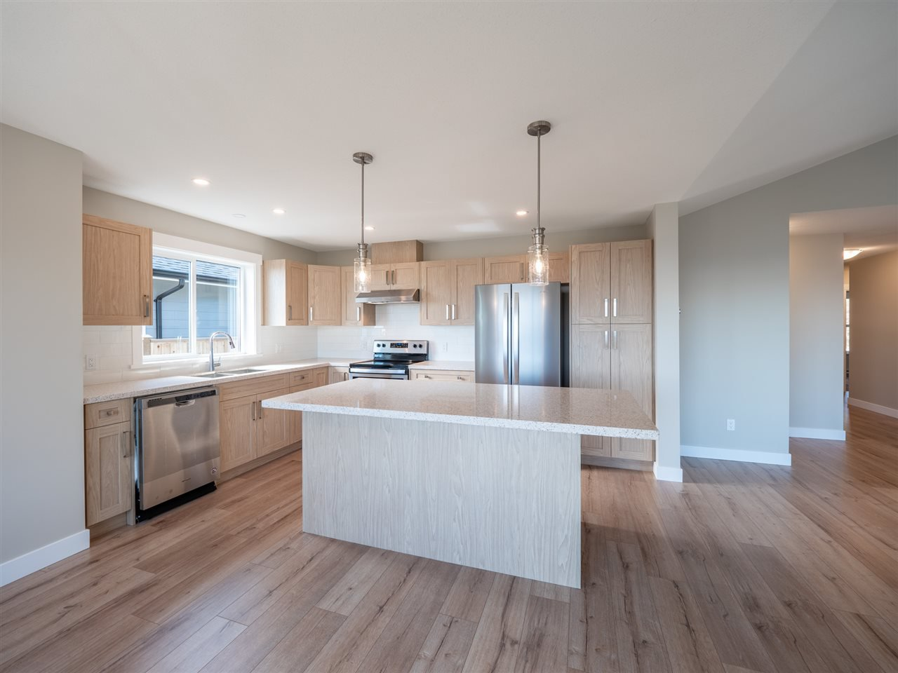 """Photo 9: Photos: 5634 KINGBIRD Crescent in Sechelt: Sechelt District House for sale in """"SilverStone Heights Phase2"""" (Sunshine Coast)  : MLS®# R2466073"""