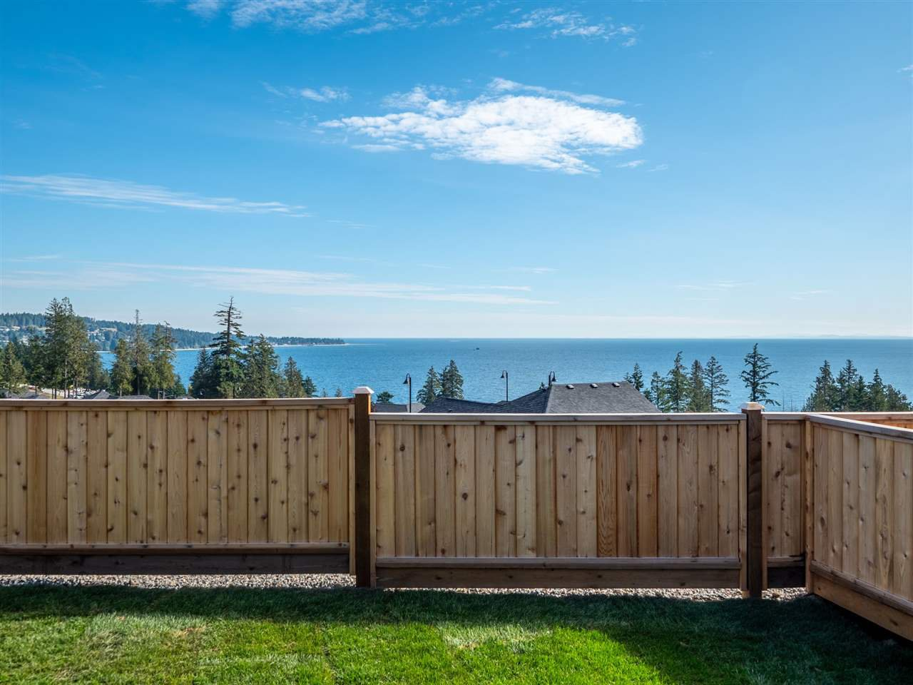 """Photo 4: Photos: 5634 KINGBIRD Crescent in Sechelt: Sechelt District House for sale in """"SilverStone Heights Phase2"""" (Sunshine Coast)  : MLS®# R2466073"""