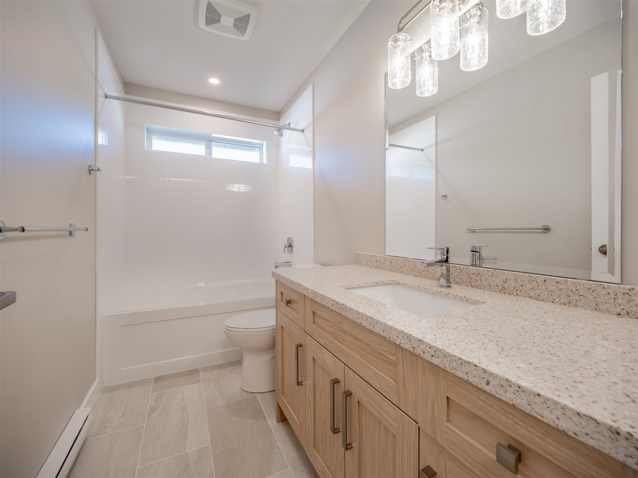 """Photo 19: Photos: 5634 KINGBIRD Crescent in Sechelt: Sechelt District House for sale in """"SilverStone Heights Phase2"""" (Sunshine Coast)  : MLS®# R2466073"""