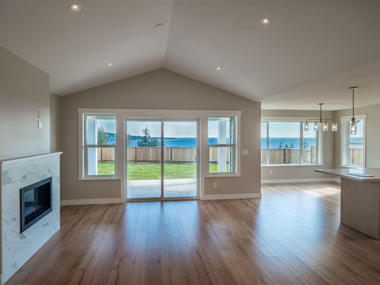"""Photo 13: Photos: 5634 KINGBIRD Crescent in Sechelt: Sechelt District House for sale in """"SilverStone Heights Phase2"""" (Sunshine Coast)  : MLS®# R2466073"""