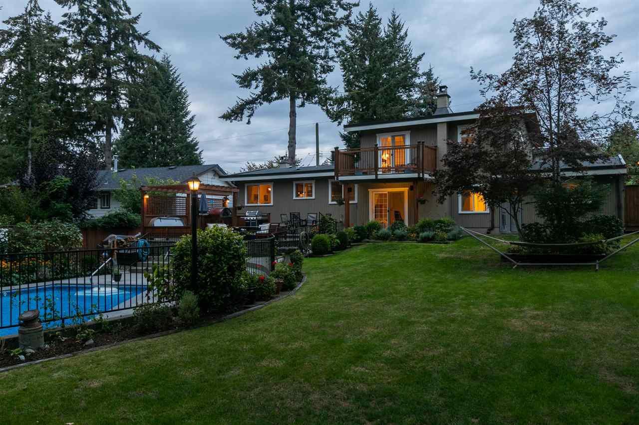"Photo 37: Photos: 11064 64A Avenue in Delta: Sunshine Hills Woods House for sale in ""SUNSHINE HILLS"" (N. Delta)  : MLS®# R2500699"