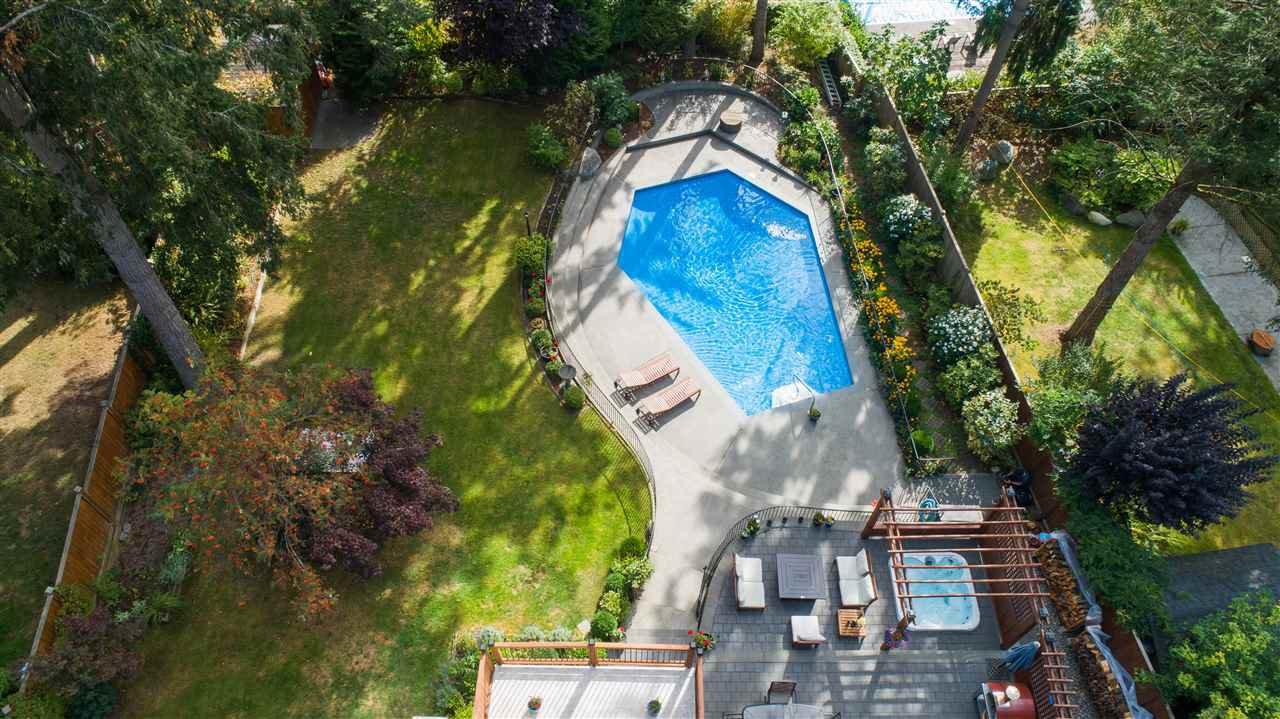 "Photo 3: Photos: 11064 64A Avenue in Delta: Sunshine Hills Woods House for sale in ""SUNSHINE HILLS"" (N. Delta)  : MLS®# R2500699"