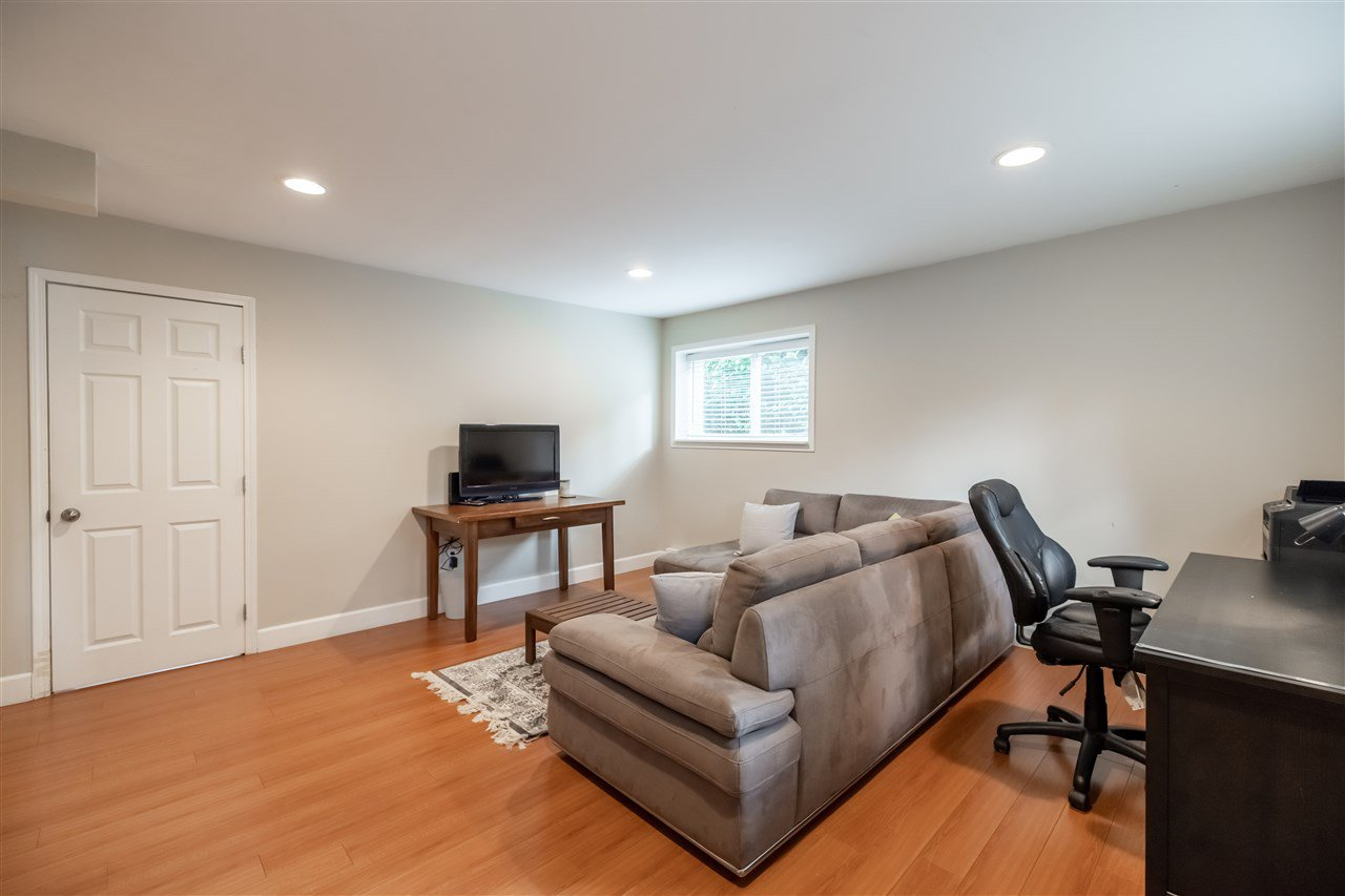 "Photo 19: Photos: 11064 64A Avenue in Delta: Sunshine Hills Woods House for sale in ""SUNSHINE HILLS"" (N. Delta)  : MLS®# R2500699"
