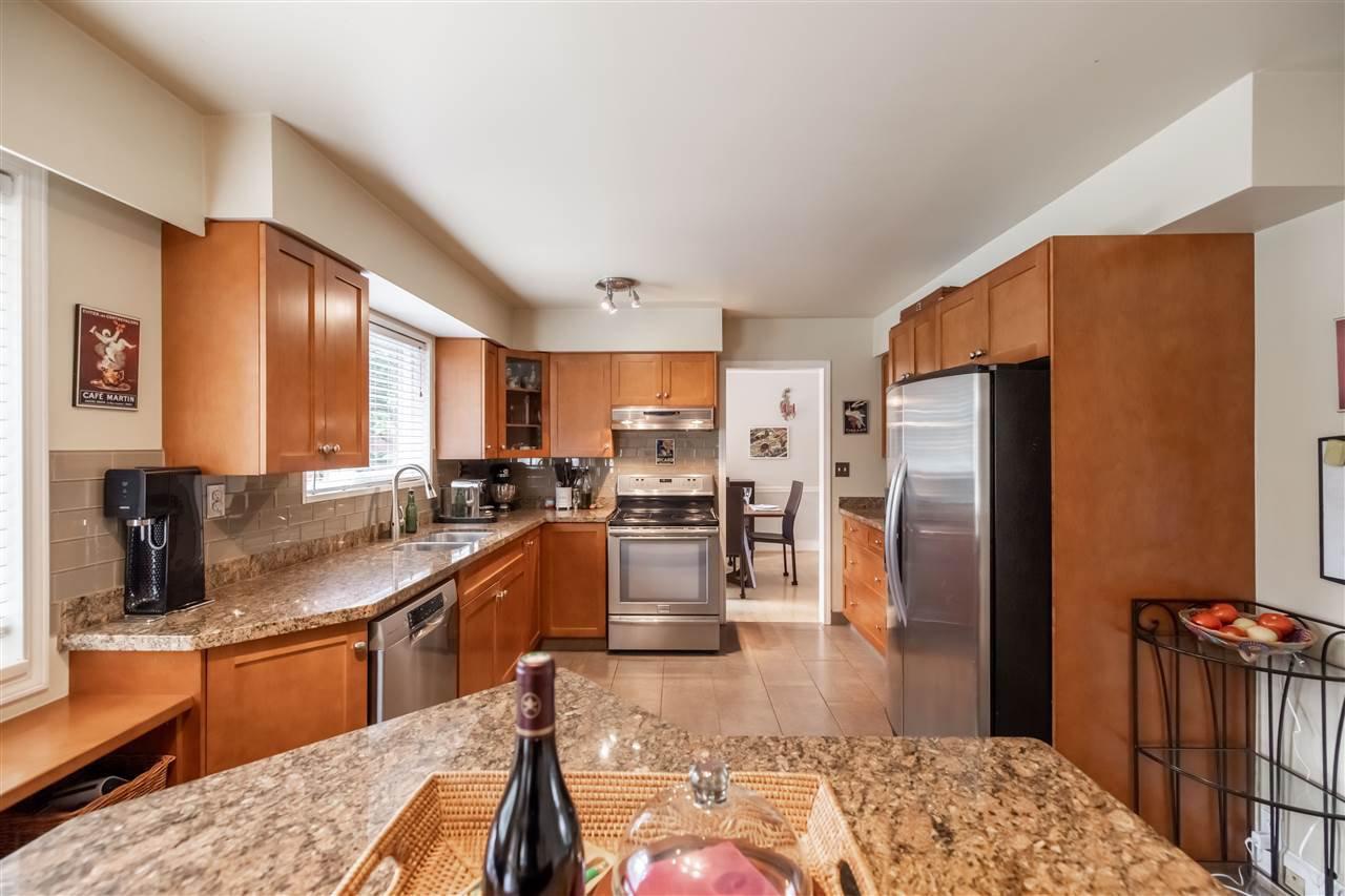 "Photo 10: Photos: 11064 64A Avenue in Delta: Sunshine Hills Woods House for sale in ""SUNSHINE HILLS"" (N. Delta)  : MLS®# R2500699"