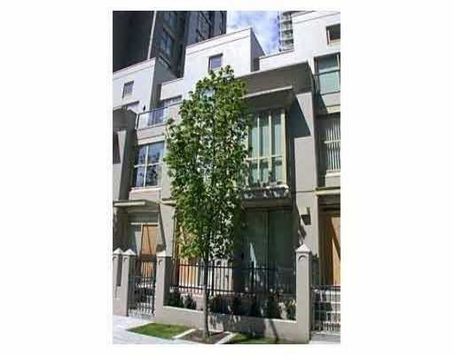 "Main Photo: 983 RICHARDS ST in Vancouver: Downtown VW Townhouse for sale in ""MONDRIAN"" (Vancouver West)  : MLS®# V545938"