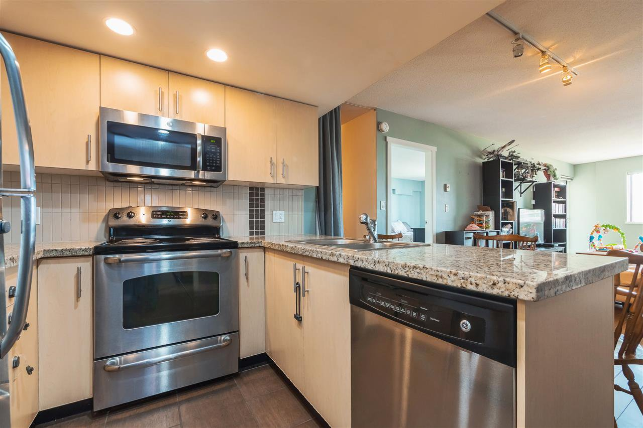 "Main Photo: 608 200 KEARY Street in New Westminster: Sapperton Condo for sale in ""Anvil"" : MLS®# R2408370"