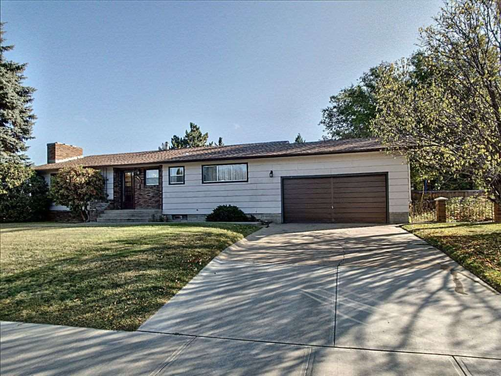 Main Photo: 10907 56 Street in Edmonton: Zone 19 House for sale : MLS®# E4177096