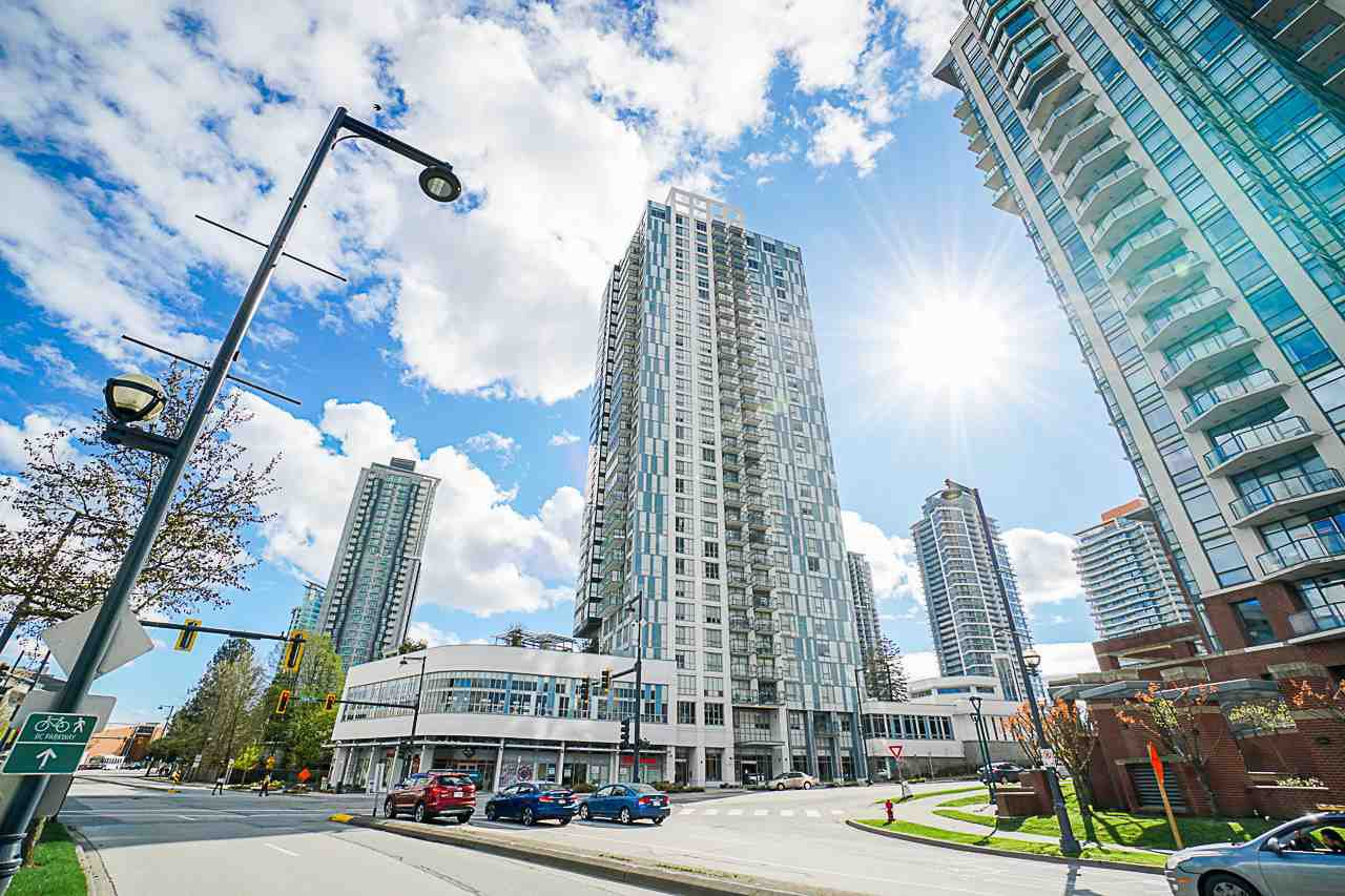 "Main Photo: 2809 13398 104 Avenue in Surrey: Whalley Condo for sale in ""Alumni Tower - University District"" (North Surrey)  : MLS®# R2417563"