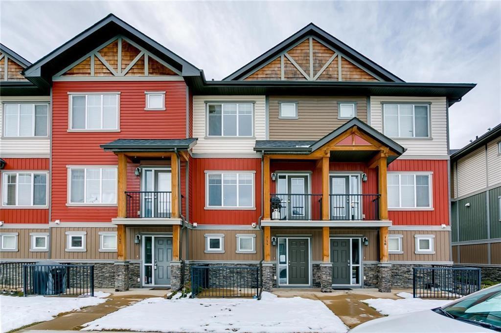 Main Photo: 144 SKYVIEW SPRINGS Manor NE in Calgary: Skyview Ranch Row/Townhouse for sale : MLS®# C4292208