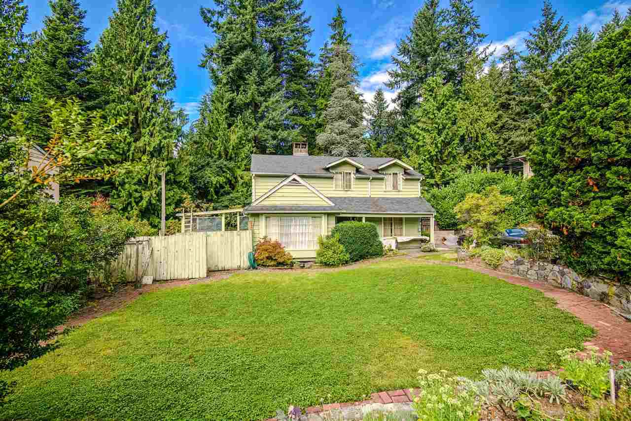Main Photo: 3873 CALDER Avenue in North Vancouver: Upper Lonsdale House for sale : MLS®# R2410694