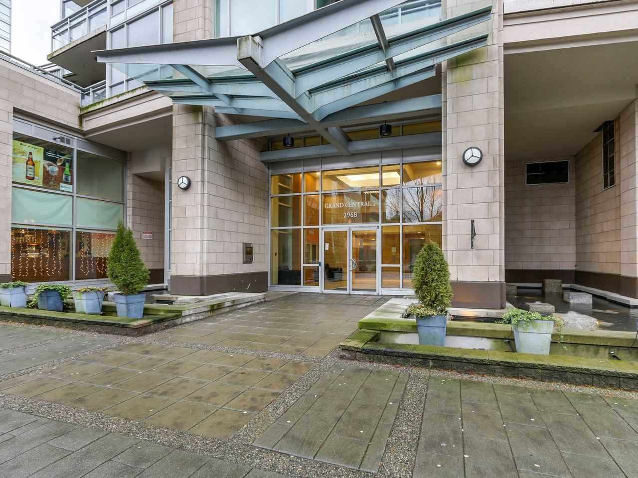 Main Photo: 2901 2968 GLEN DRIVE in Coquitlam: North Coquitlam Condo for sale : MLS®# R2434338