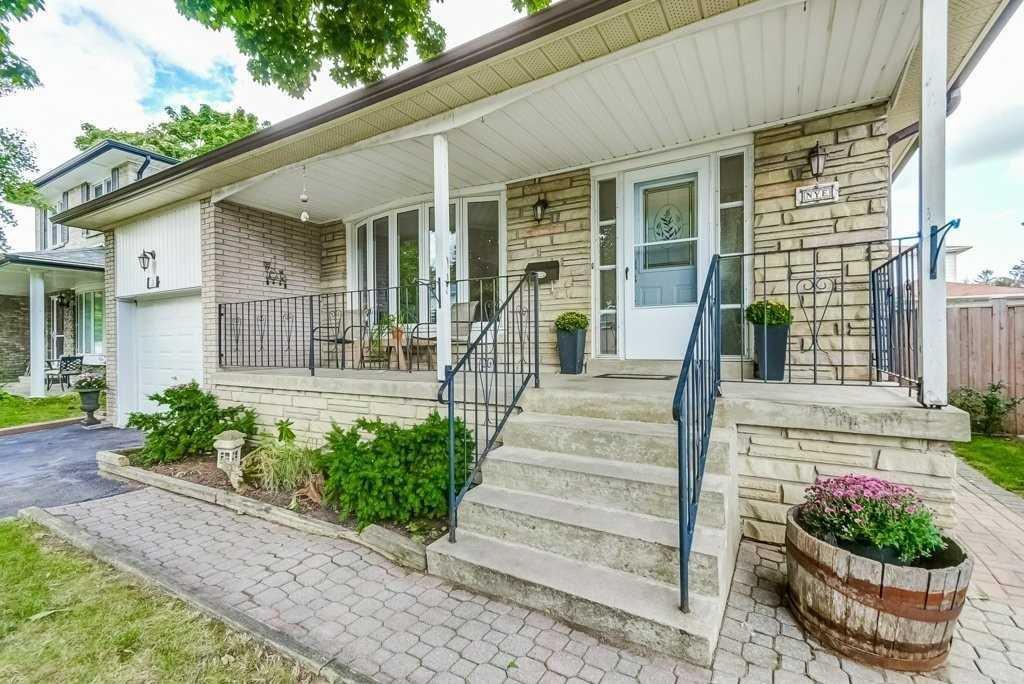 Main Photo: 21 Tivoli Crt in Toronto: Guildwood Freehold for sale (Toronto E08)  : MLS®# E4918676