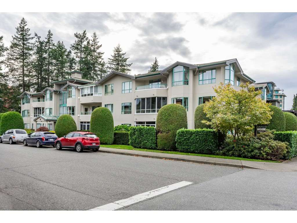 """Main Photo: 305 1569 EVERALL Street: White Rock Condo for sale in """"Seawynd Manor"""" (South Surrey White Rock)  : MLS®# R2508731"""