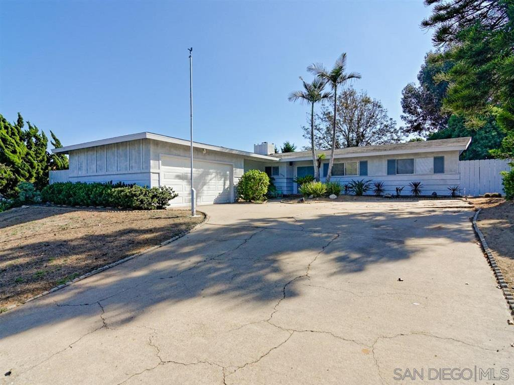 Main Photo: LA JOLLA House for rent : 4 bedrooms : 5878 Soledad Mountain Road