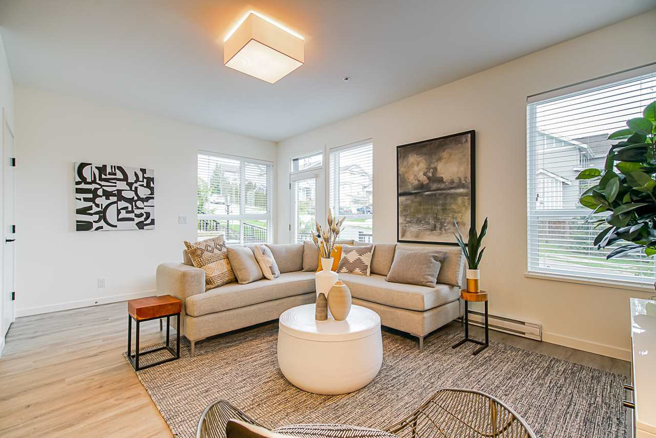 Main Photo: 24 20087 68 AVENUE in Langley: Willoughby Heights Townhouse for sale : MLS®# R2434492