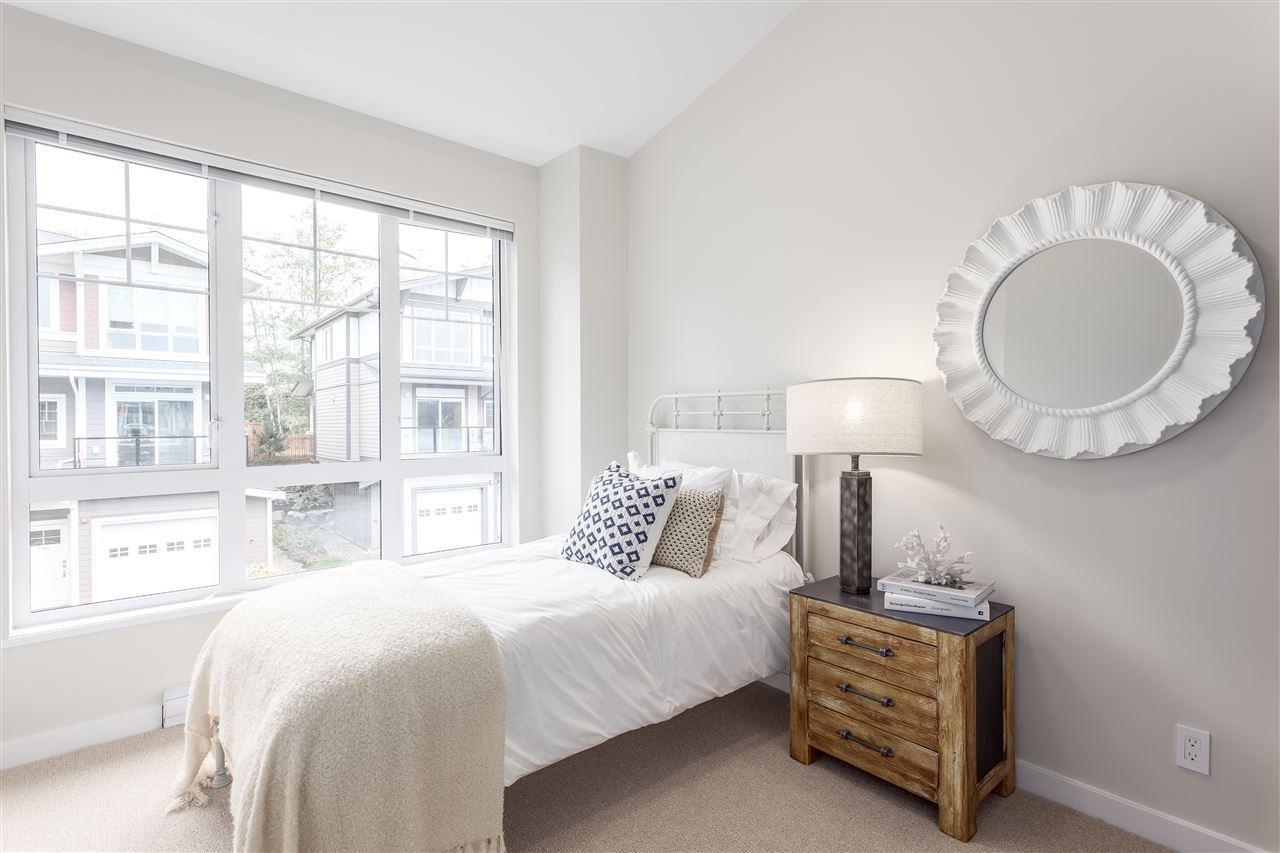 """Photo 8: Photos: 5910 BEACHGATE Lane in Sechelt: Sechelt District Townhouse for sale in """"EDGEWATER AT PORPOISE BAY"""" (Sunshine Coast)  : MLS®# R2397086"""