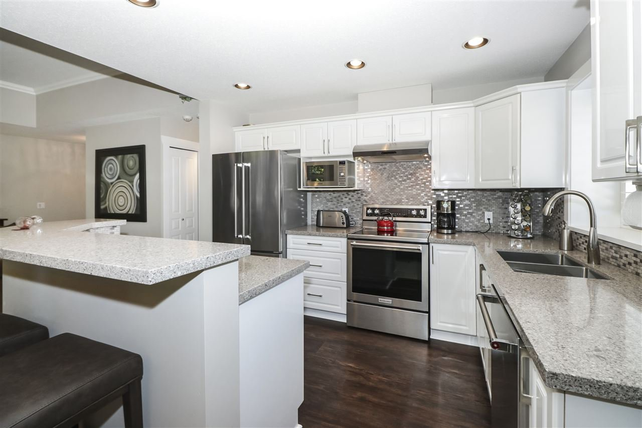 """Main Photo: 13 2780 150 Street in Surrey: Sunnyside Park Surrey Townhouse for sale in """"The Daventry"""" (South Surrey White Rock)  : MLS®# R2443449"""