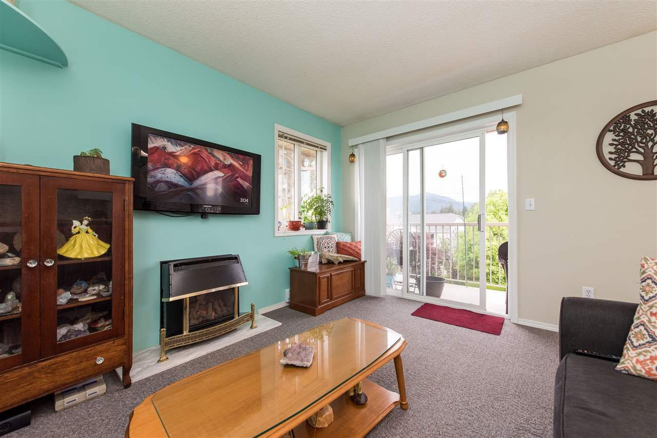 """Photo 10: Photos: 12 46160 PRINCESS Avenue in Chilliwack: Chilliwack E Young-Yale Condo for sale in """"Arcadia Arms"""" : MLS®# R2454006"""