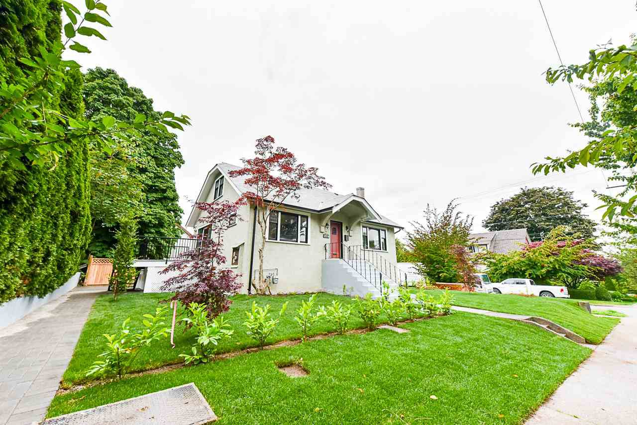 "Main Photo: 632 SECOND Street in New Westminster: GlenBrooke North House for sale in ""UPPER GLENBROOK"" : MLS®# R2469411"