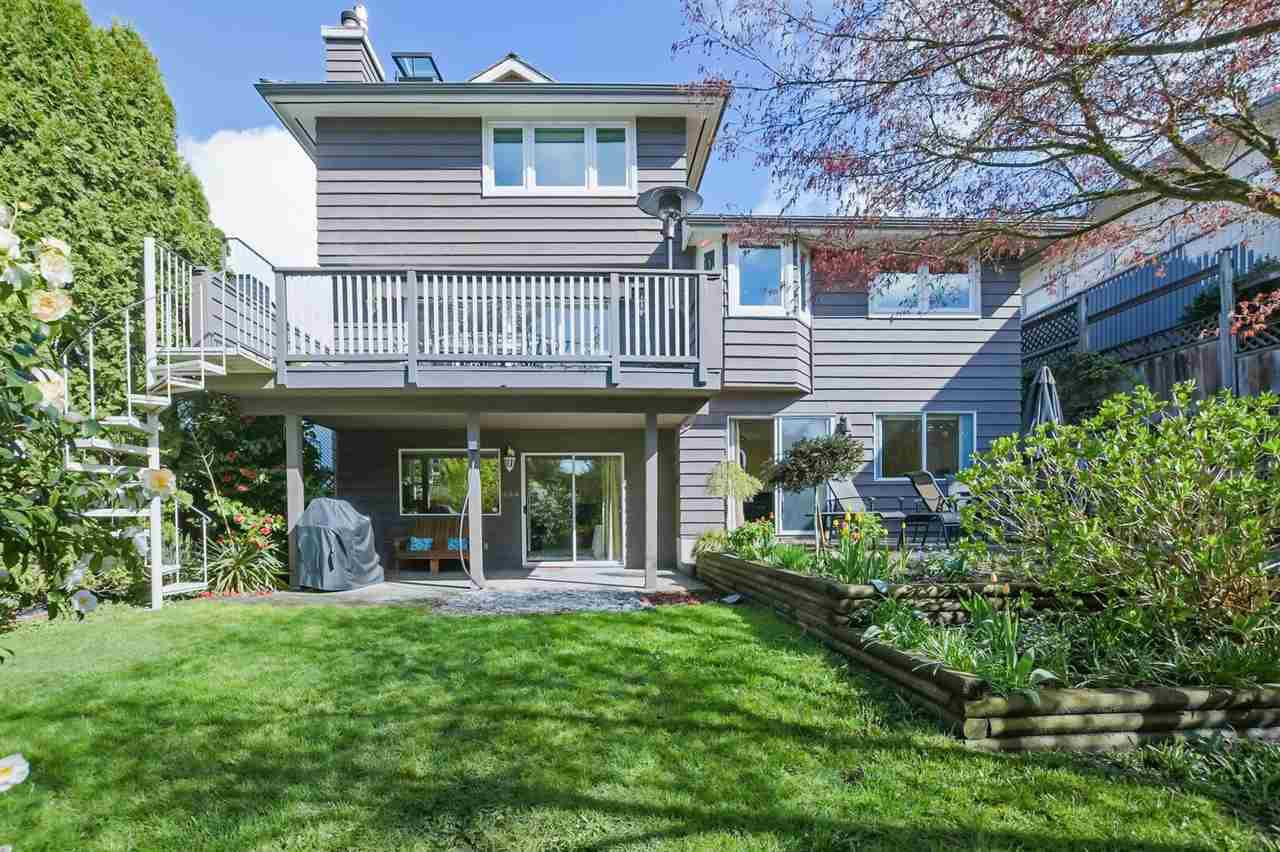 Main Photo: 4675 LOCKEHAVEN Place in North Vancouver: Deep Cove House for sale : MLS®# R2410894