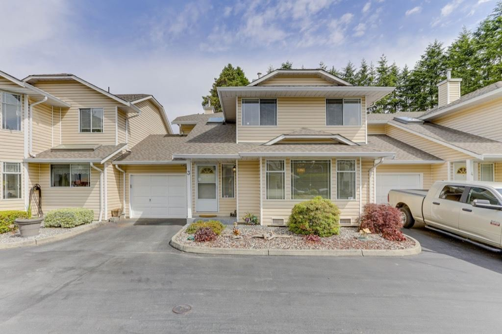 """Main Photo: 3 11848 LAITY Street in Maple Ridge: West Central Townhouse for sale in """"LAITY ESTATES"""" : MLS®# R2463408"""
