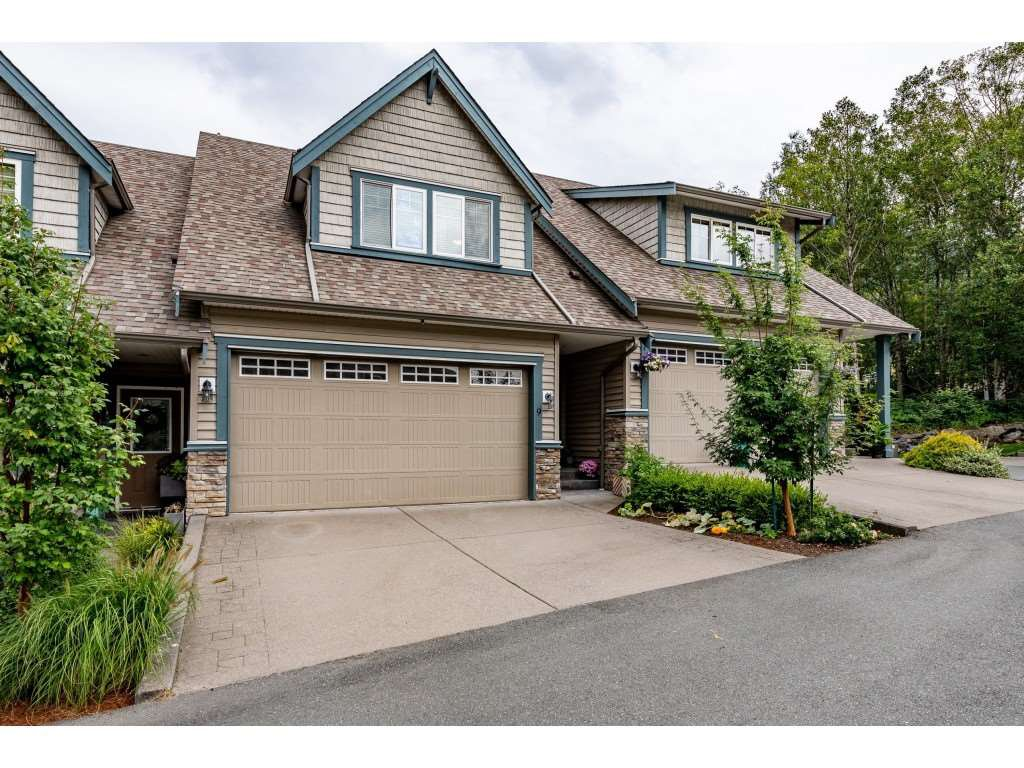 "Main Photo: 9 46791 HUDSON Road in Chilliwack: Promontory Townhouse for sale in ""Walker Creek"" (Sardis)  : MLS®# R2493562"