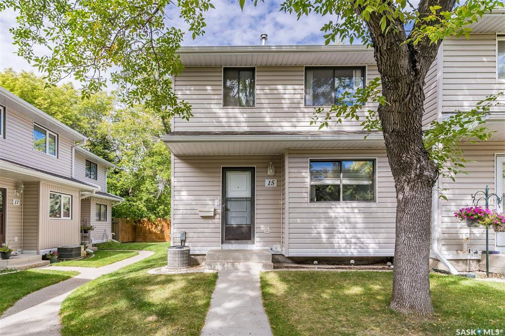 Main Photo: 15 330 Haight Crescent in Saskatoon: Wildwood Residential for sale : MLS®# SK826464