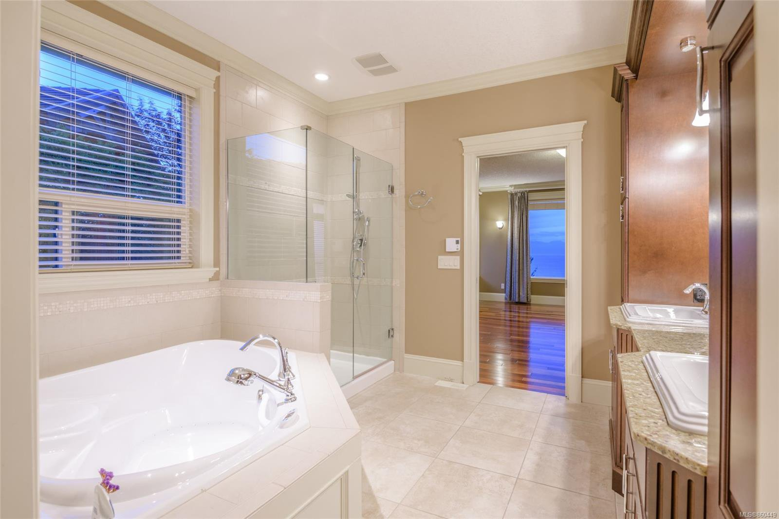 Photo 20: Photos: 5019 Hinrich View in : Na North Nanaimo House for sale (Nanaimo)  : MLS®# 860449