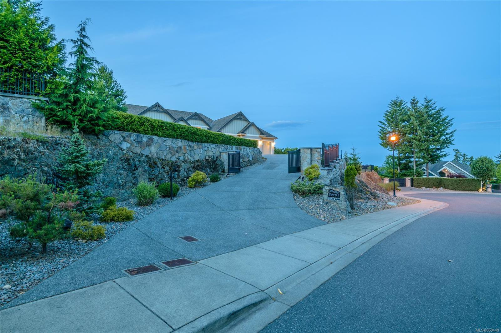 Photo 47: Photos: 5019 Hinrich View in : Na North Nanaimo House for sale (Nanaimo)  : MLS®# 860449