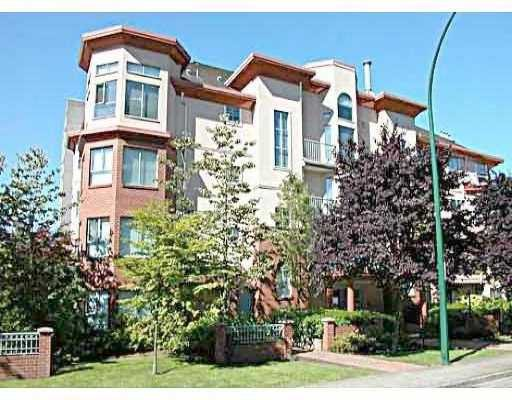 "Main Photo: 202 111 W 5TH ST in North Vancouver: Lower Lonsdale Condo for sale in ""C&C PROPERTIES"" : MLS®# V575787"