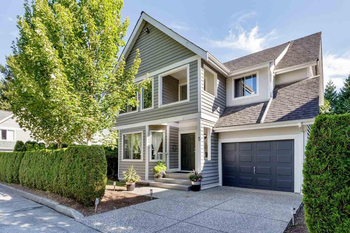 "Main Photo: 5 1135 LANSDOWNE Drive in Coquitlam: Eagle Ridge CQ Townhouse for sale in ""CREEKSIDE ESTATES"" : MLS®# R2483378"